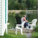 pêcheur-pêche-ligne-ponton-location-locatif-mobil-home-camping-sailly-le-sec-puits-tournants