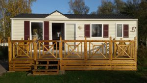 vue-extérieure-mobil-home-location-locative-carpe-terrasse-camping-puits-tournants-sailly-le-sec