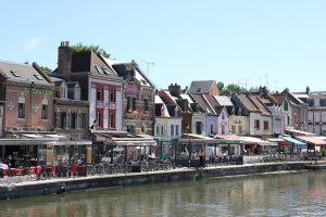 Amiens-quartier-saint-leu-quai-bélu-restaurants-bars-pub-discothèque-vieil-amiens-somme-hauts-de-france-canal-somme
