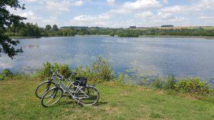 balade-vélos-véloroute-étangs-vallée-haute-somme-autour-camping-sailly-le-sec-puits-tournants-somme-hauts-de-france